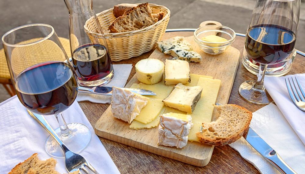 Cómo combinar vinos y quesos