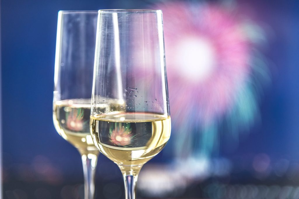 How to Host a Memorable New Year's Eve Wine Tasting Party