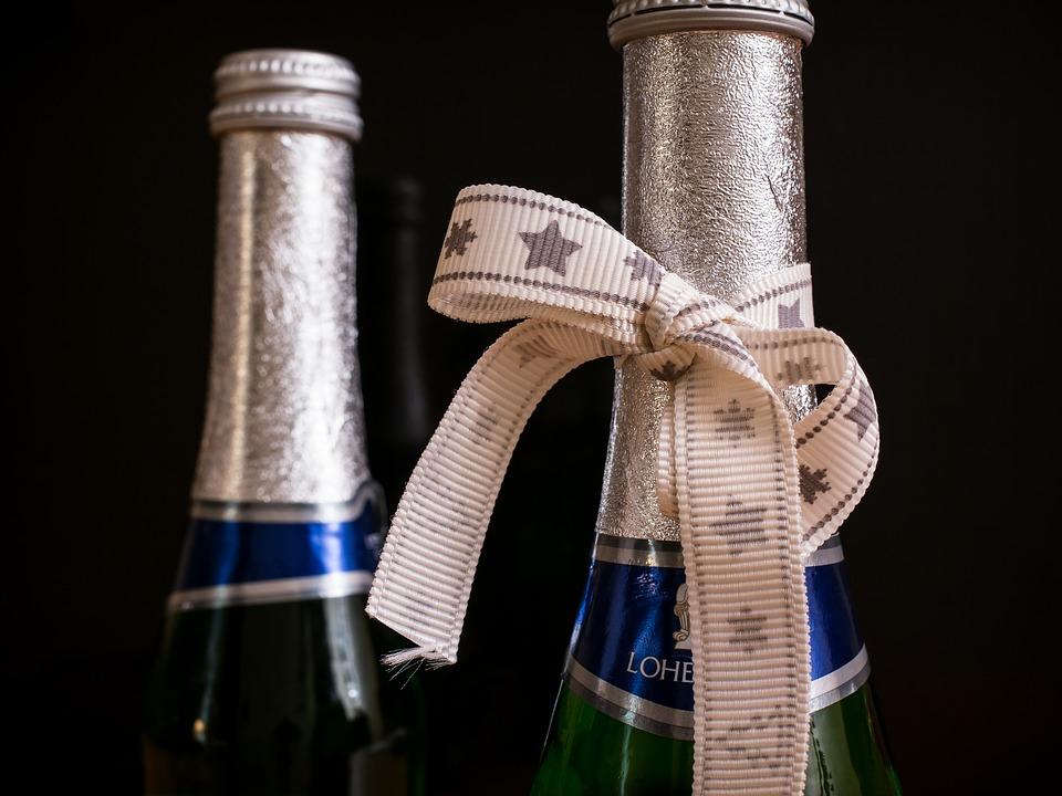 Los mejores regalos para la jubilación del vino, desde champán hasta la fina Burdeos