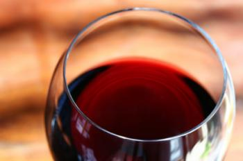 servir vino tinto
