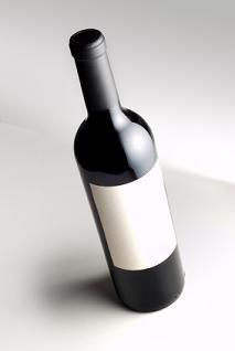 Etiqueta de vino en blanco