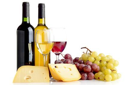 Vino, queso y uvas
