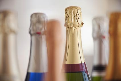 Seis botellas de champagne