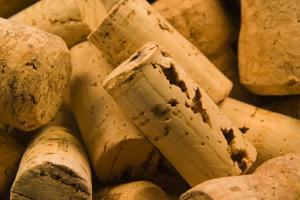 corchos de vino taponado con corcho