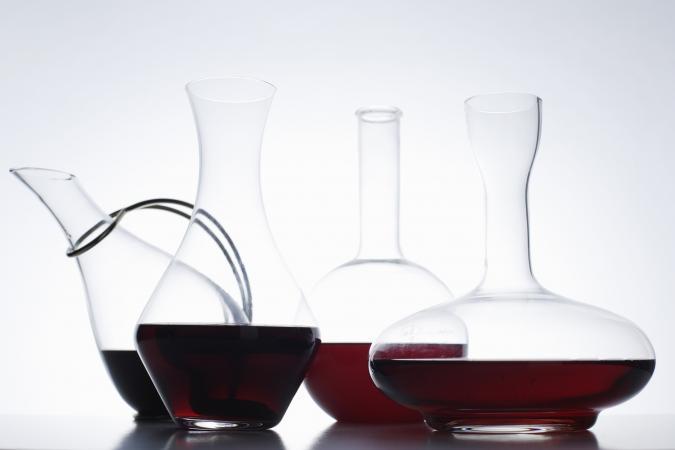 Surtido de decantadores de vino