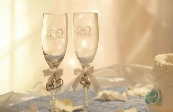 Copas de boda con champán