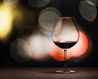 copa de globo de vino tinto