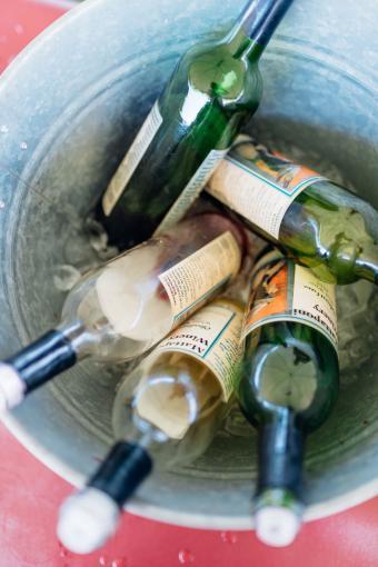 Cubo de vinos de la Fiesta del Vino de Montpelier
